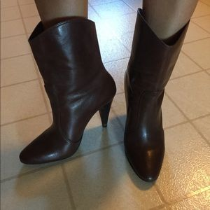 Gianni Bini  Brown boots great condition